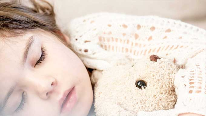 bambino dormire da solo