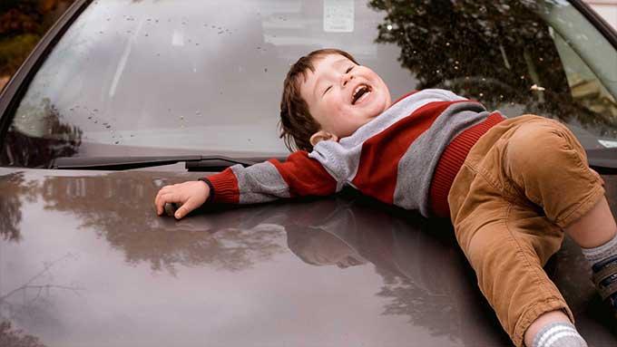 giochi in macchina con i bambini in viaggio