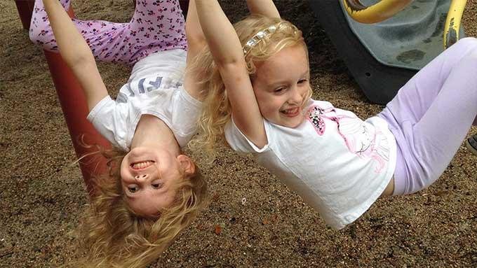 Giochi al parco, all'aperto bambini