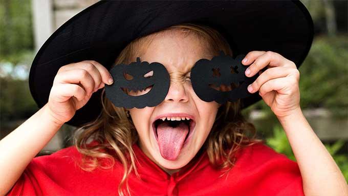 costume e maschera halloween bambina